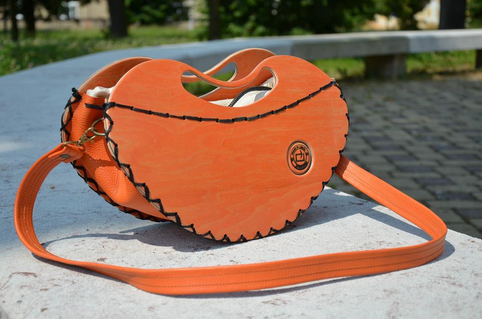 Rest art wear - Orange heart - kabelka